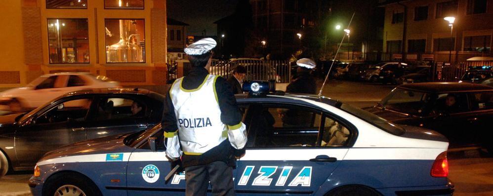 Como, porte finestre forzate  La polizia ferma 5 stranieri
