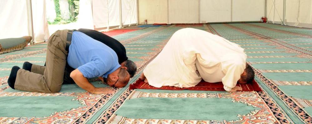 Como, vietato mettere i jeans  Il papà musulmano  va a processo