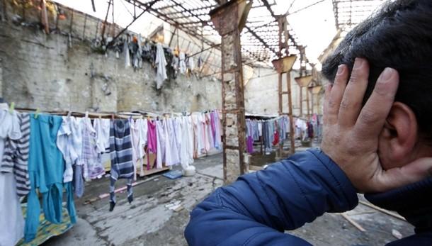 Francia: sindaco vieta tomba a bimba rom