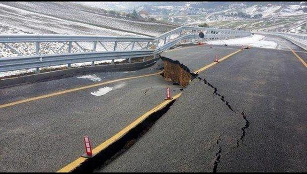 Viadotto inaugurato a Natale é crollato