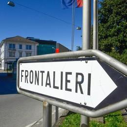 Frontalieri, la provocazione dell'ex ambasciatore svizzero: «Fate sciopero»