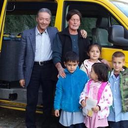 Bambini all'asilo con il sindaco  E Trezzone ha i soldi per la strada
