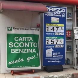 Sconto di 8 centesimi sul diesel. Ma i comaschi non lo sanno