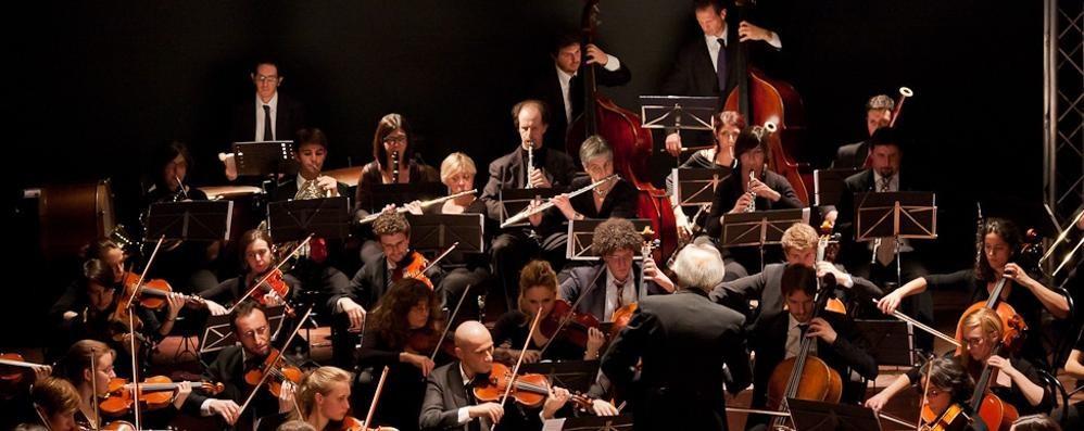 """A Cantù apre la Fabbrica di Mozart   """"Professione solista e direttore"""""""