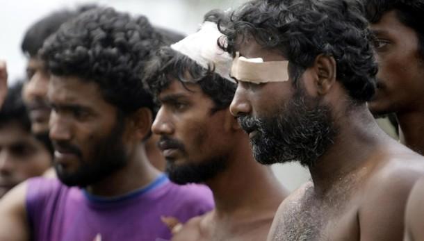 Onu,barconi Rohingya bare galleggianti
