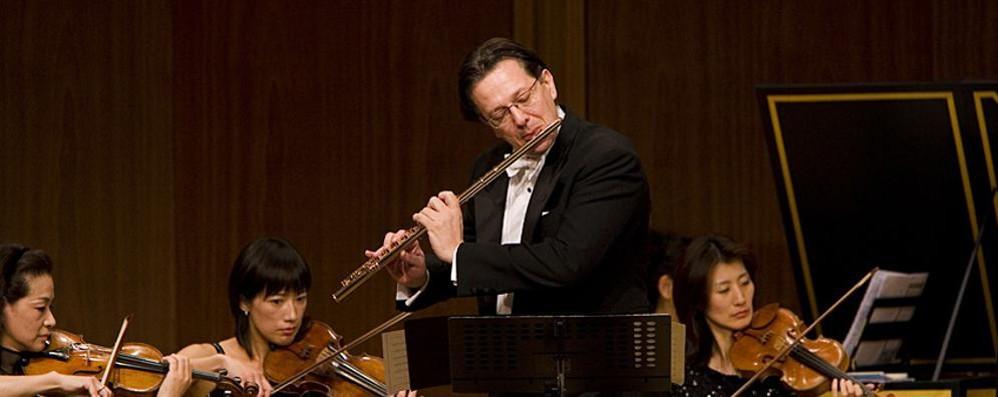 Il flautista Nova a Menaggio  Concerto con organo
