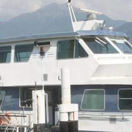 Catamarano in avaria  Emergenza a Menaggio