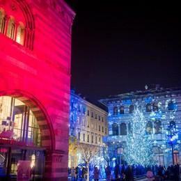 Como Città dei Balocchi accensione albero di Natale in piazza Grimoldi