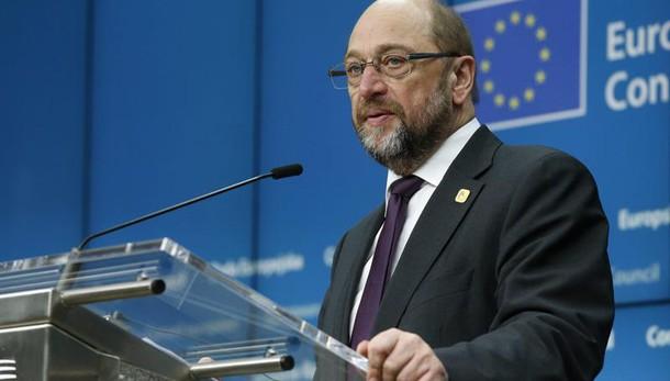 Schulz rinuncia a sfidare Merkel