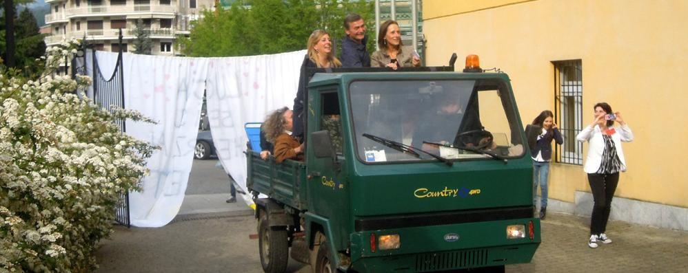 Erba, la direttrice va in pensione  E all'asilo arriva sul furgone