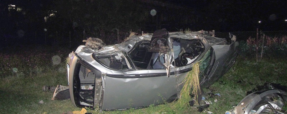 Albavilla, scontro tra auto  Tre feriti, uno è gravissimo  Le immagini dell'incidente