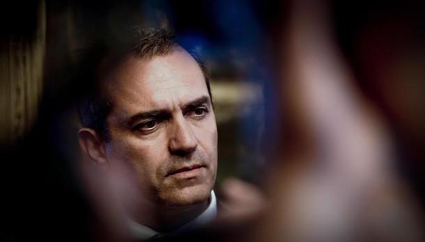 Renzi a Napoli:sindaco,grave no dialogo
