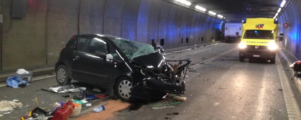 Incidente al San Gottardo  Due morti, tunnel riaperto