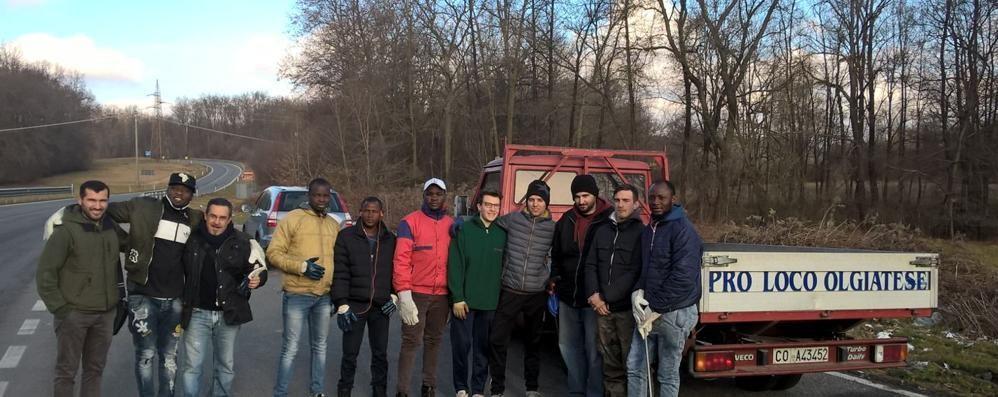 Olgiate: «Profughi al lavoro  per pulire la piazza»
