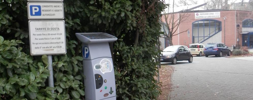 Fino, il parcheggio con il bancomat  Otto postazioni nei luoghi più utilizzati