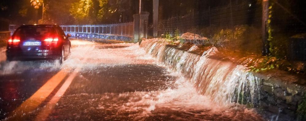 Maltempo in Provincia (video)  Il lago a mezzo metro dalla piazza Caduta in un giorno  il doppio   della pioggia di tutto settembre