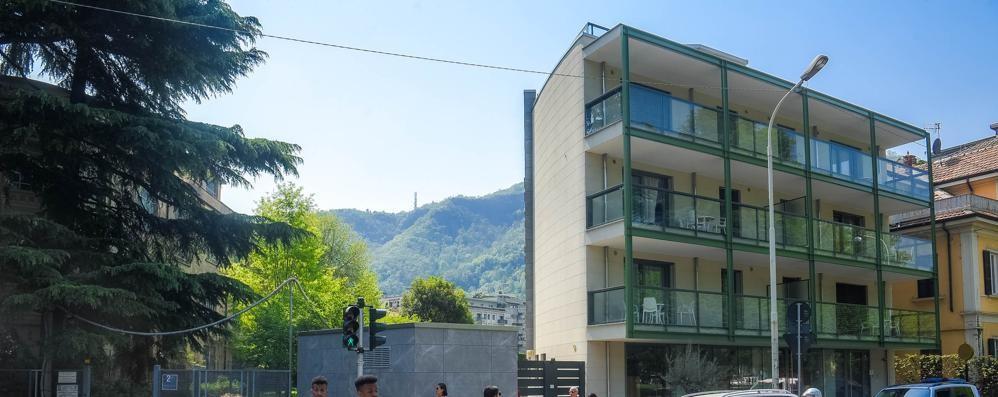 Hotel e residence  Per Como turistica  altre 200 camere