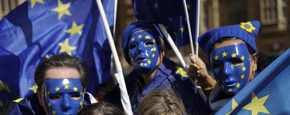 Appartenenza a Ue positiva solo per 39% italiani