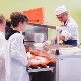 Como, i pasti a scuola arrivano da 35 km  L'assessore: «Sarà un servizio di qualità»