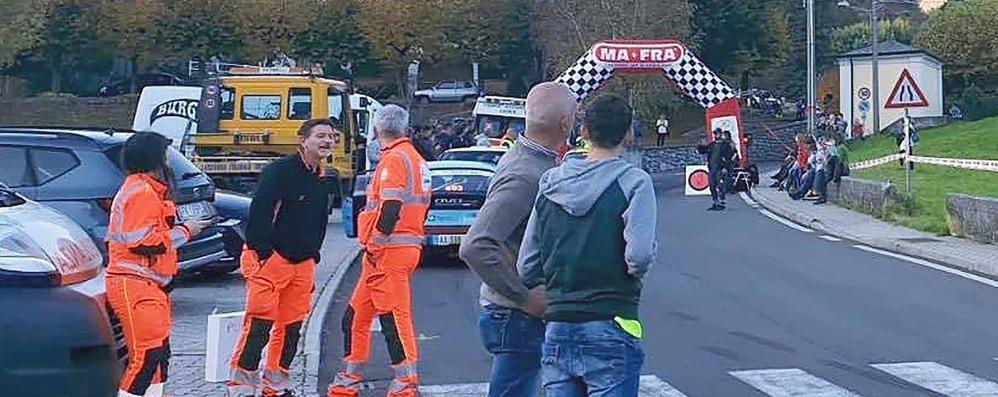 Spettatrice cade dal muretto  Rally interrotto mezz'ora