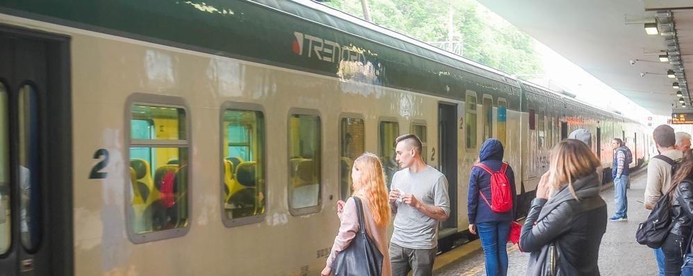 Rabbia dei pendolari comaschi  Trenord: situazione migliorata  ma non sulla Como-Chiasso