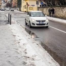 Nevicata, 120 interventi dei vigili del fuoco Proteste per i marciapiedi