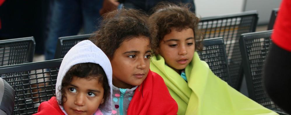 Migranti: Eurocamera, più risorse per l'asilo e l'integrazione