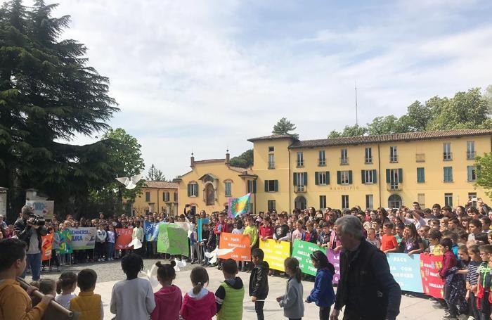 ERBA - MARCIA DELLA PACE DEI RAGAZZI DELLE SCUOLE ERBESI - EDIZIONE 2019