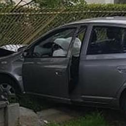 Bregnano, incidente all'incrocio  I residenti: «Serve il semavelox»