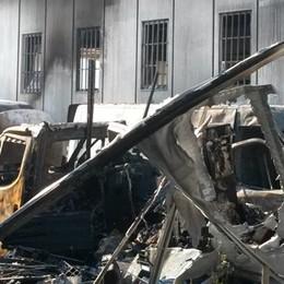 Gironico, l'incendio alla Blunotte  «Ho pianto. Ma non mi arrendo»