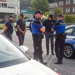 La polizia svizzera sconfina in Italia  Potranno multarci fino a Grandate