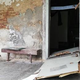 Mariano, vandalismi a cascina Mordina   Porte sfondate a calci nella notte