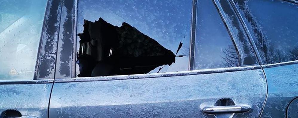 Vandalismi su 3 auto   tra Arosio e Carugo