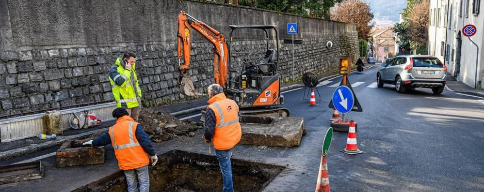 """La città dei mille cantieri  Un gennaio """"pazzo"""" tra tubi rotti e scavi"""