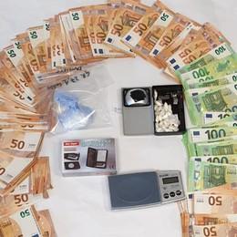 Coca e 8mila euro in contanti  Arresti a Valsolda e Carlazzo