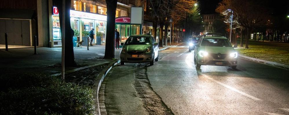 Code per il cantiere di viale Giulio Cesare La polizia locale sanziona la ditta