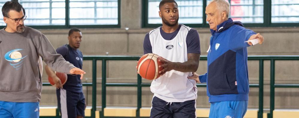 Basket: «Facciamo squadra  In campo e nella vita»