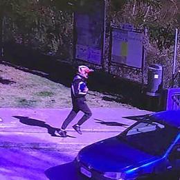 Asso, ecco il rapinatore che scappa  È stato ripreso da una telecamera