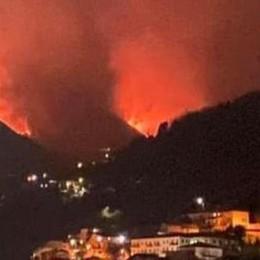 Incendio nei pascoli  Caccia al piromane