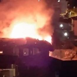 Paura a Lipomo:   mansarda va a fuoco