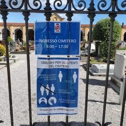 Coronavirus, Albavilla apre i cimiteri  Ingresso con guanti e mascherine