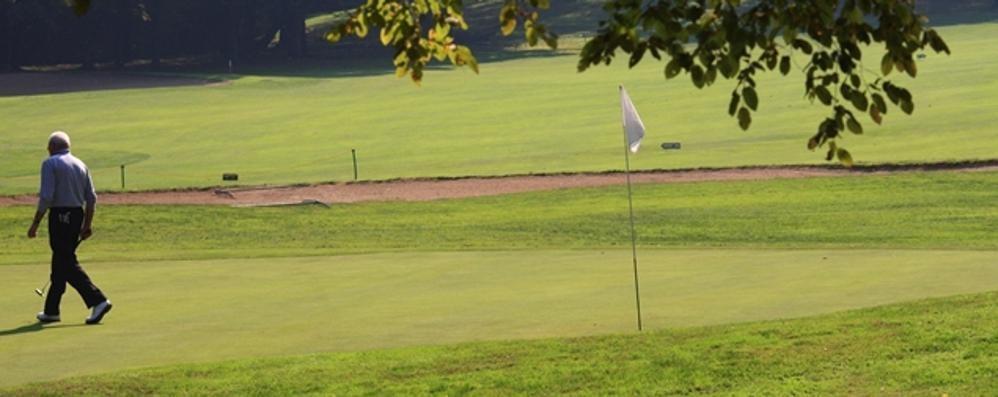 Appiano, appello dal green  «Riaprite i golf, sono sicuri»