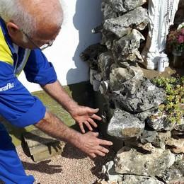 """Ladri vandali allo storico """"Gesioo""""  Rubate le pietre della Madonnina"""