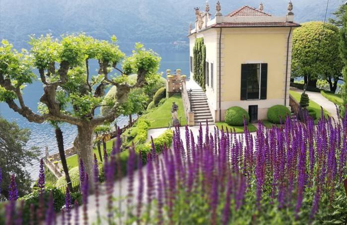 Uno splendido scorcio della Loggia Durini che fa parte del compendio di Villa Balbianello