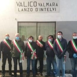 Val d'Intelvi, i sindaci al valico di Valmara  «Presidente Conte, ci aiuti a riaprirlo»