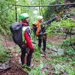 Valbrona, escursionista ferita  Arriva il soccorso alpino