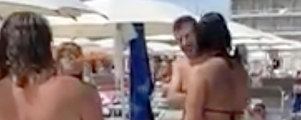 Proserpio, la vicesindaco Pd e Salvini  Scintille in spiaggia a Milano Marittima