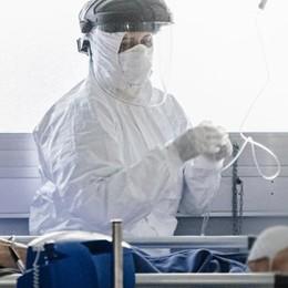 I medici: «Il virus ritorna, prepariamoci» Appello all'uso delle mascherine