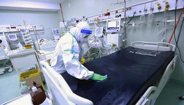 Covid: 2.437  positivi e 14 morti in Italia A Como 33 casi, 1 a Lecco e 5   a Sondrio