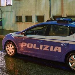 Botte al poliziotto per pochi spiccioli  Milano, arrestati ragazzi di 17 e 20 anni